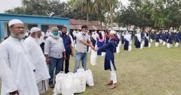 নন্দীগ্রামে আ'লীগ নেতা রানা'র উপহার পেল ১১০ শিক্ষার্থী