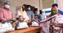 সারিয়াকান্দিতে প্রধানমন্ত্রীর মানবিক সহায়তা পেলেন ৬০০ পরিবার