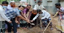 শেরপুরে স:প্রা: বিদ্যালয়ের সীমানা প্রাচীর নির্মাণের ভিত্তিস্থাপন