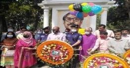 সোনাতলায় বঙ্গবন্ধুর ১০১তম জন্মদিনে বঙ্গবন্ধুর ম্যুরালে পুষ্পঅর্পন