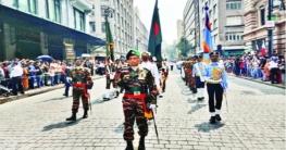 দিবসের কুচকাওয়াজ বাংলাদেশ সশস্ত্র বাহিনীর অংশগ্রহণ