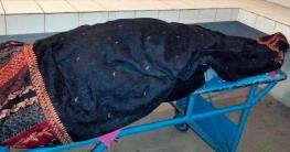 মোটরসাইকেল থেকে ছিটকে পড়ে নারী নিহত