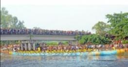 বগুড়ার শাহজাহানপুরে ঐতিহ্যবাহী নৌকা বাইচ প্রতিযোগিতা অনুষ্ঠিত
